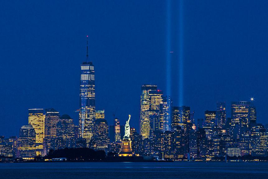 紐約市今年恢復911紀念之光(Tribute in Light)。美聯社