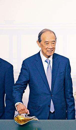 港交所前主席夏佳理接受彭博訪問時稱,倫交所對港交所的收購回應留有可能性。