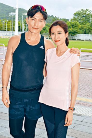 山聰與子羚正為新劇《大步走》開工。