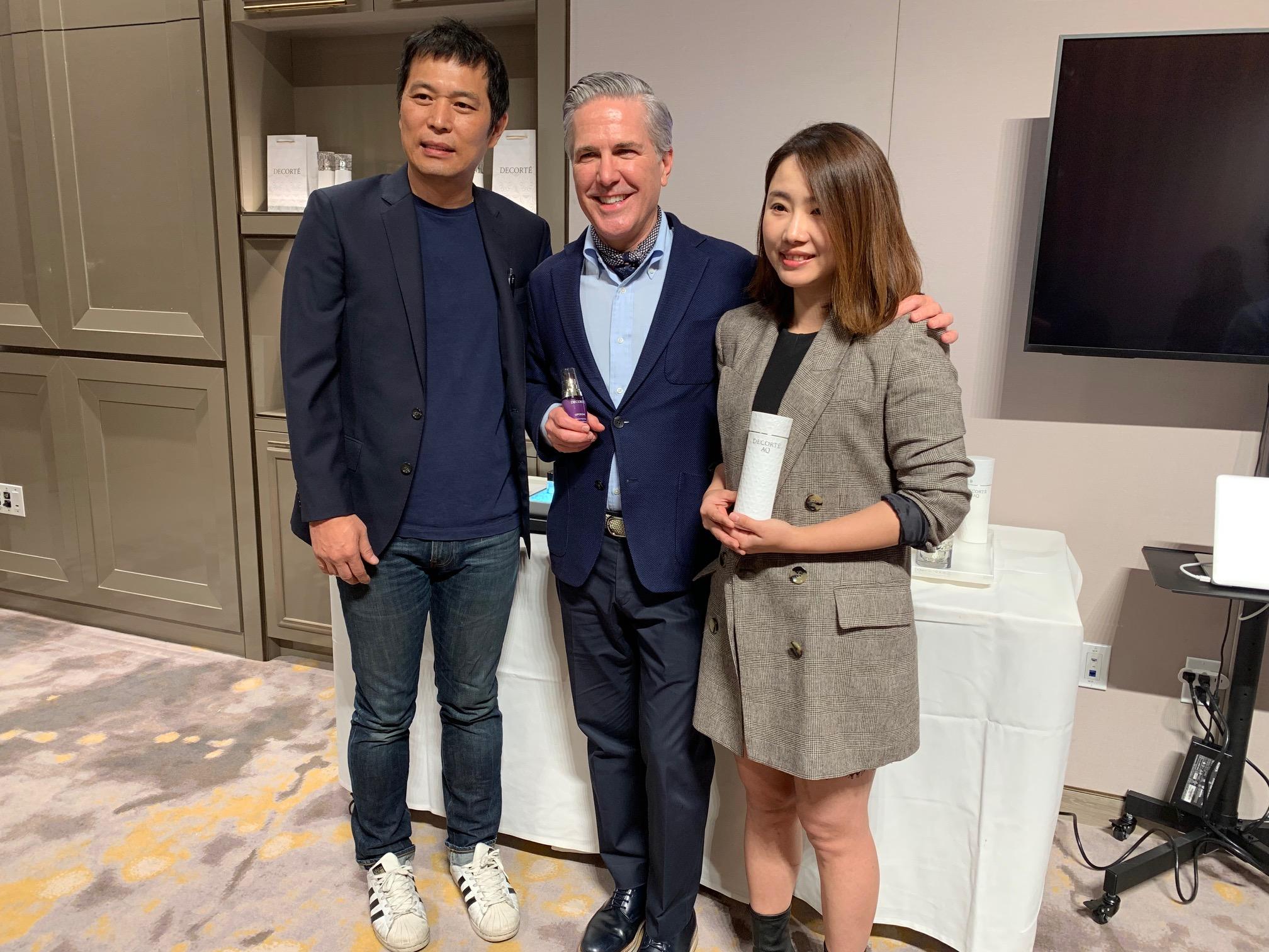 (左起) 高島生活館業主 Tony Tiao、黛珂美國市場總經理 Tyler Heiden Jones與行銷Clyde Tsai合影。