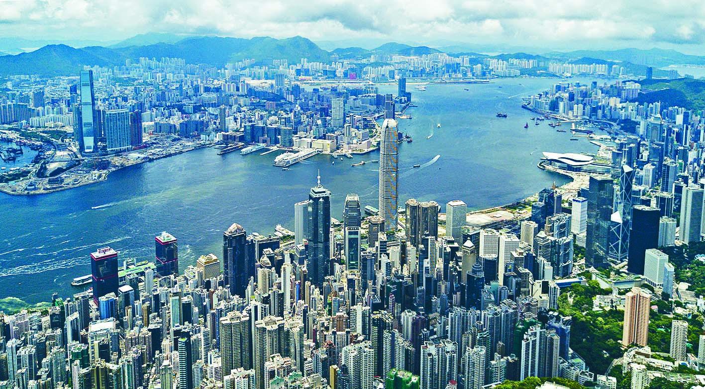 標準普爾維持香港長期信貸評級為「AA+」。