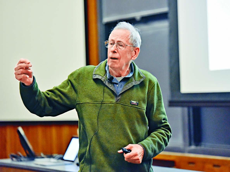 今年諾貝爾物理學獎得主:加拿大裔美國籍學者皮布爾斯。