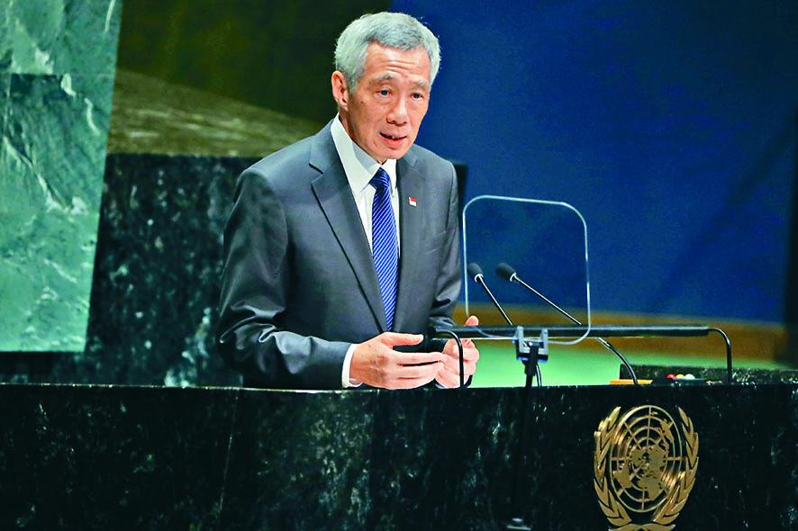 李顯龍認為香港示威者提及的「五大訴求」並非解決香港問題的方法,但就有羞辱及將政府逼下台的意味。