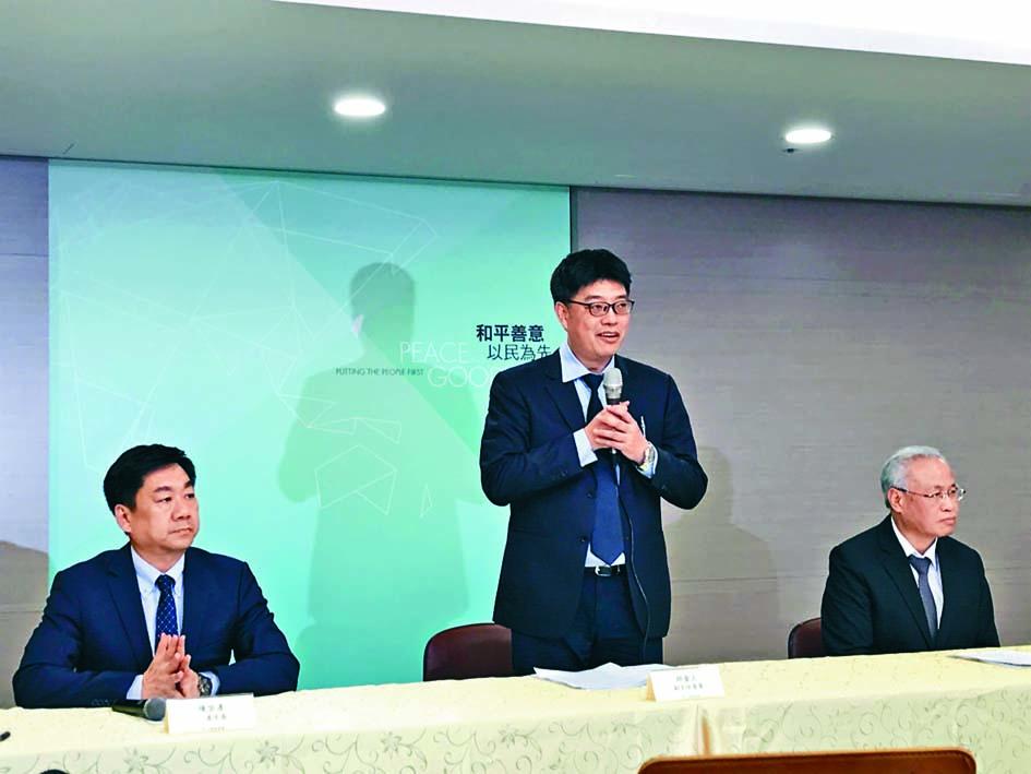 陸委會突然宣布願意派檢警人員到香港「押解」陳同佳。