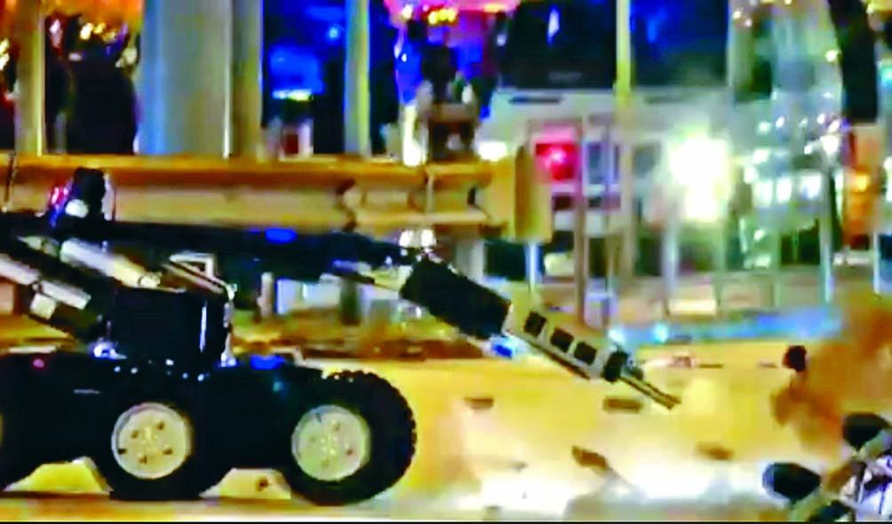 水埗發現懷疑「爆炸品」,軍火專家用拆彈車進行引爆。