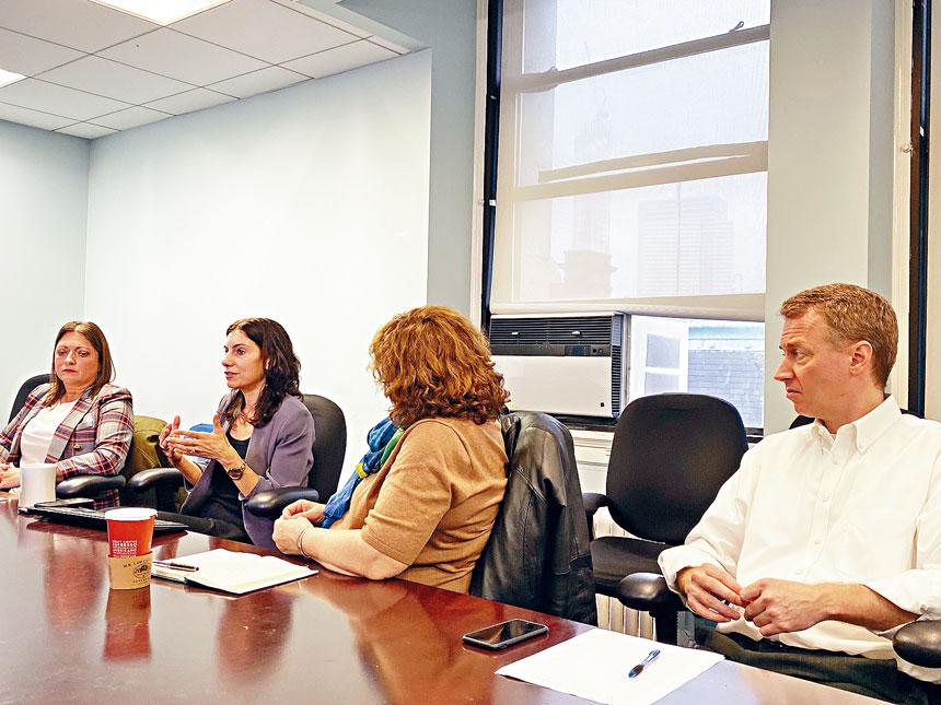 市府於昨在曼哈頓召開華文媒體圓桌會,就社區監獄計劃最新進展做以報告。
