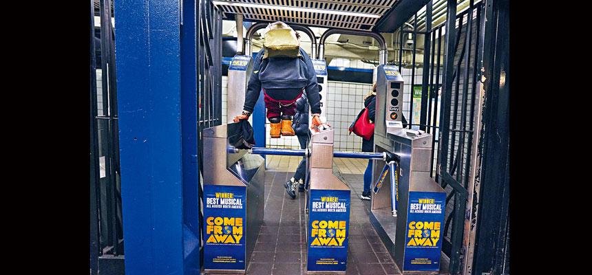 8月地鐵逃票率上升至4.7%乘客,較6月的3.9%有所增加。Chang W. Lee/紐約時報