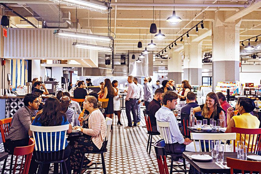 清潔局將加強餐廳處理廚餘剩菜方式的要求。Jeenah Moon/紐約時報