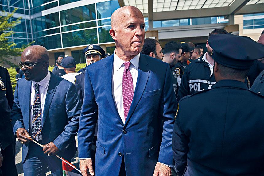 奧尼爾表示,目前仍要加強如何鼓勵警員接受輔助服務。Victor J. Blue/紐約時報