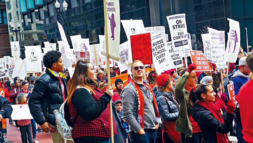 芝加哥公立學校教師工會10月17日進行罷課,至今談判依然無進展,30萬學生10多天無課可上。梁敏育攝