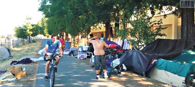 祖羅多塔遠足徑沿途的無家者營地,引發居民不滿。電視截圖