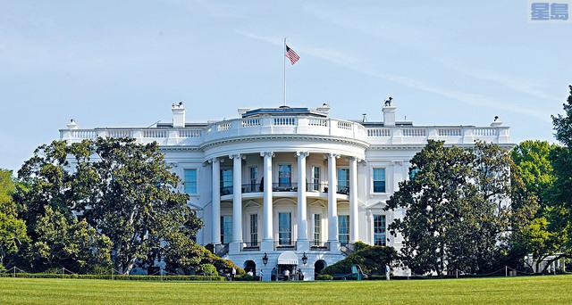 白宮匿名官員將於下月發表新書《警告》(A Warning),內容包含特朗普的第一手爆炸性資料。網上圖片