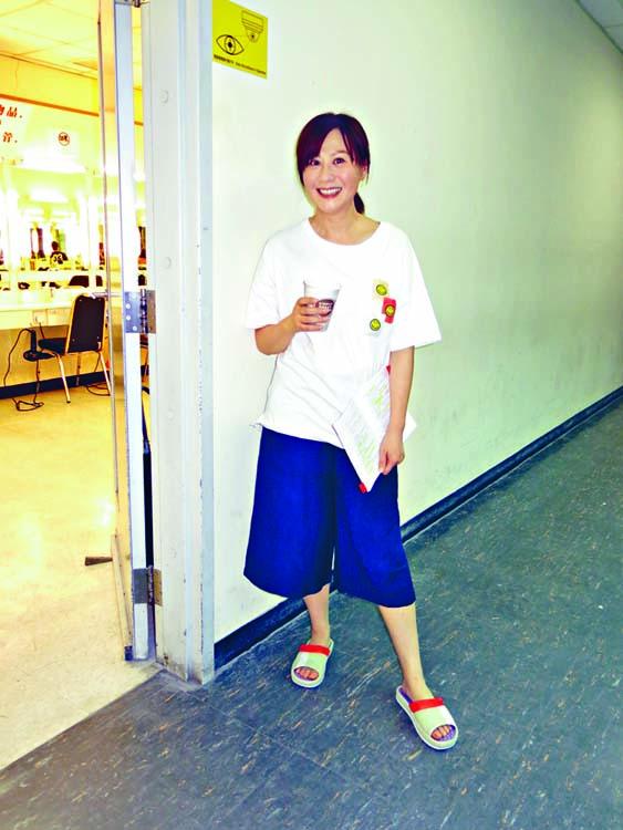江欣燕昨日為新劇《失憶24小時》開工。