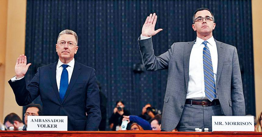 駐烏克蘭前任特使沃克爾(左)與國安委員會前任官員莫里森(右)出席下午的聽證會。美聯社