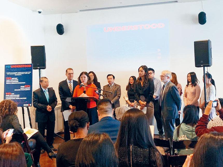 和諧社區醫療大聯盟與國會議員孟昭文及多個組織共同發布一份「誤解:紐約市華人健康狀況報告」。