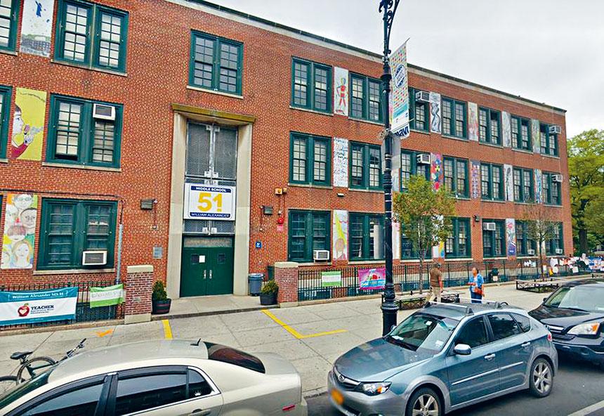 M.S. 51公立學校的種族多元化出現明顯變化。谷歌地圖