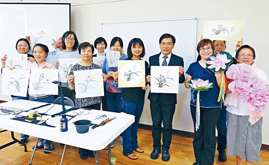 歐宏偉主任、林賢琪老師(右四)、路永宜老師(右二)與參與學員合影。主辦方提供