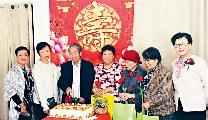 (左起)李積秀、陳裕姍、曹偉倫、鍾芳、朱藹玉、韓彩琨、樂趙令瑜合影。