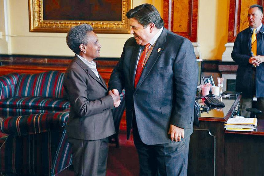芝加哥市長萊德福特(左)力圖殲滅改進芝市市議員的貪污,但州長普瑞茲克(右)對于反腐的行動卻蹣跚。