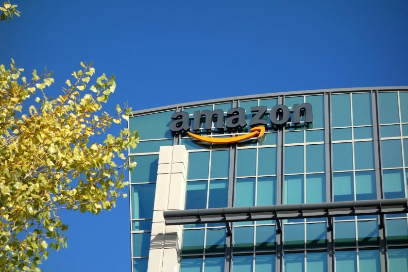 亞馬遜明年將在洛杉磯伍德蘭山地區增設全新形態的超市店面。洛杉磯時報