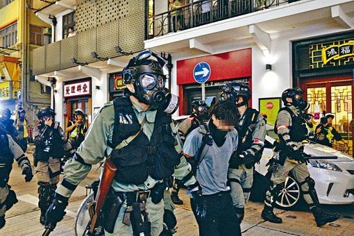 近日示威衝突中,有不少青年人被捕,當中不少為大專學生。