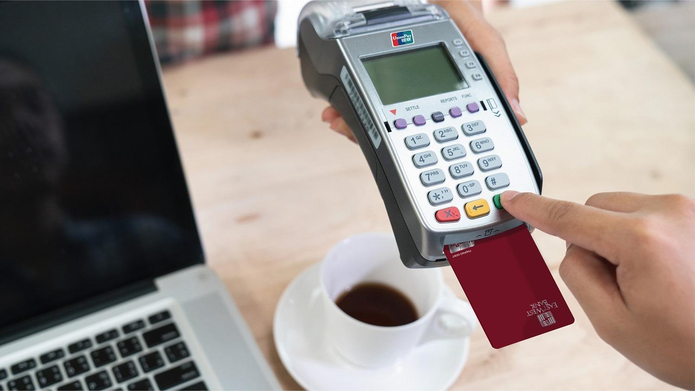 華美銀行與服務全球最大持卡人群的銀行卡公司銀聯國際合作推出華美銀行銀聯儲值卡。