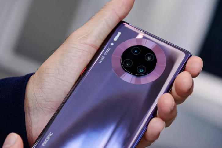 華為九月發布與蘋果iPhone 11競爭的最新Mate 30手機。