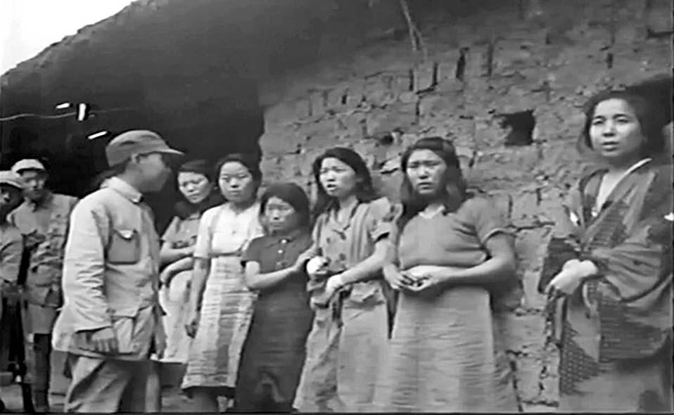 ■一九四四年在雲南省救出的一批慰安婦。  互聯網