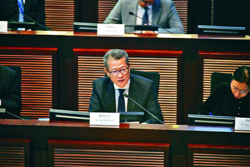 陳茂波預測,政府今個財政年度將出現赤字。