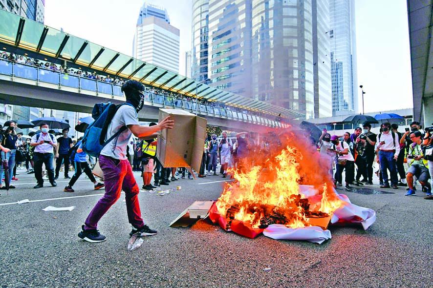 惠譽指反修例風波令港社會出現動盪,惟短期沒影響國際金融中心地位。