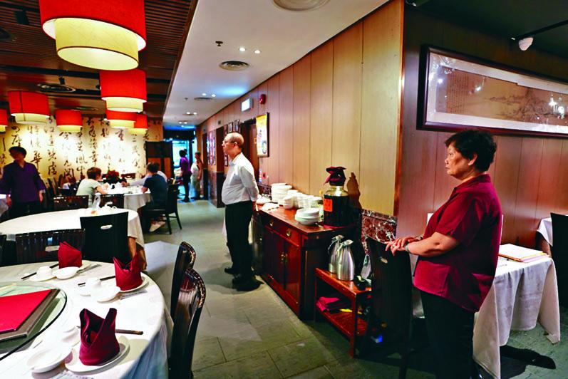 餐飲業首當其衝,近月陷入寒冬。