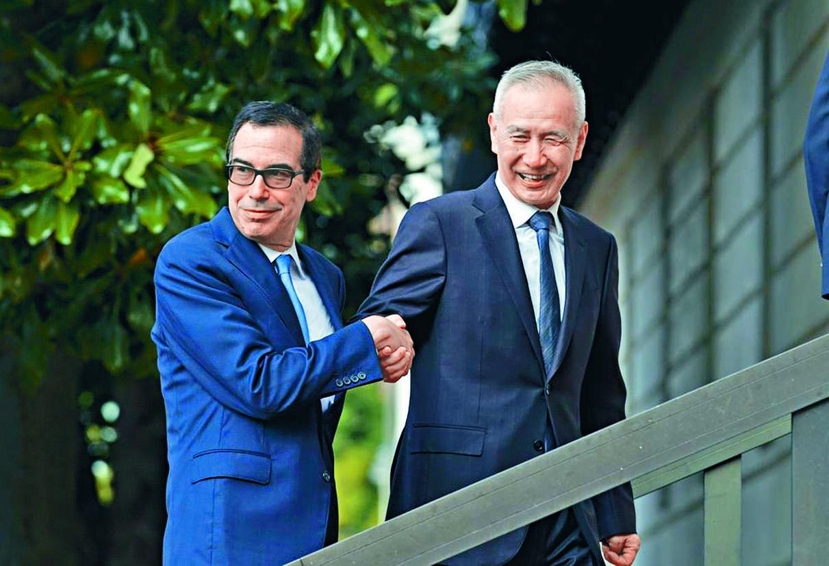 美國財長努欽稱,兩國副代表級官員周三曾通電話,形容談判處於軌道上。