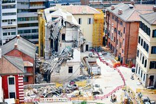 三年前正在進行復修工程的大館第四座,曾發生局部倒塌事件。