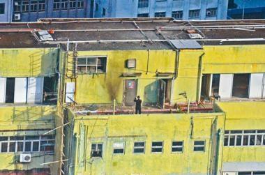 今年七月荃灣工廈劏房TATP案中,警方將炸藥移至天台引爆。