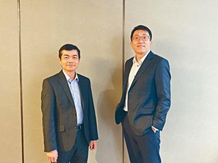 王粵鷗(右)表示,分拆業務可望帶來約9000萬美元的現金收益。