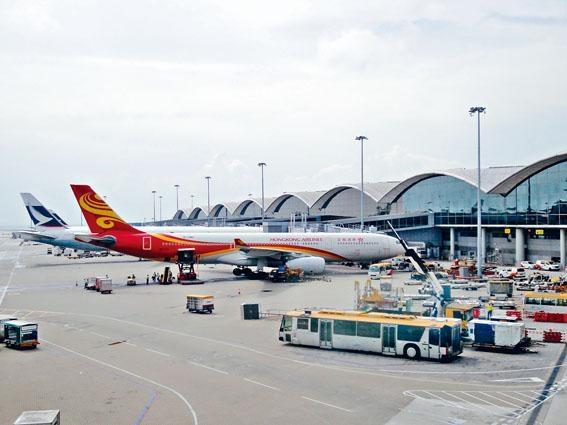 香港航空正陷財困,空牌局表明,本星期六或以前決定會否撤銷或暫時撤銷牌照。