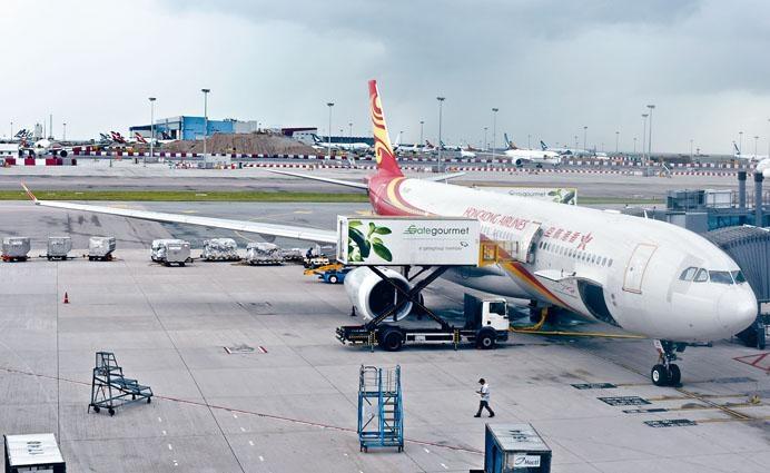 港航出現財政問題,空運牌照局昨仍未收到該公司對兩項附加的新條件回覆。