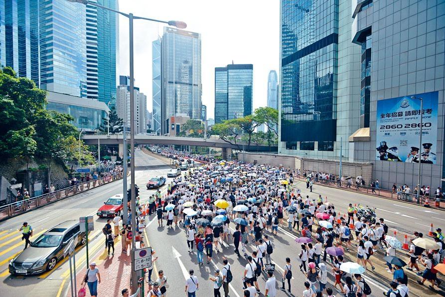 香港過往不少大型集會遊行都是和平有序地進行。