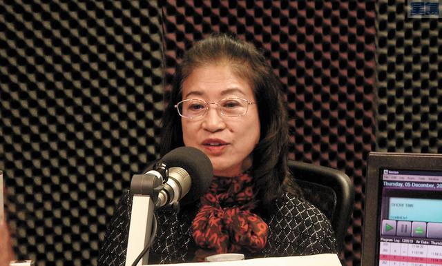 已故市長李孟賢遺孀林進敏在節目上呼籲捐款。               本報記者攝