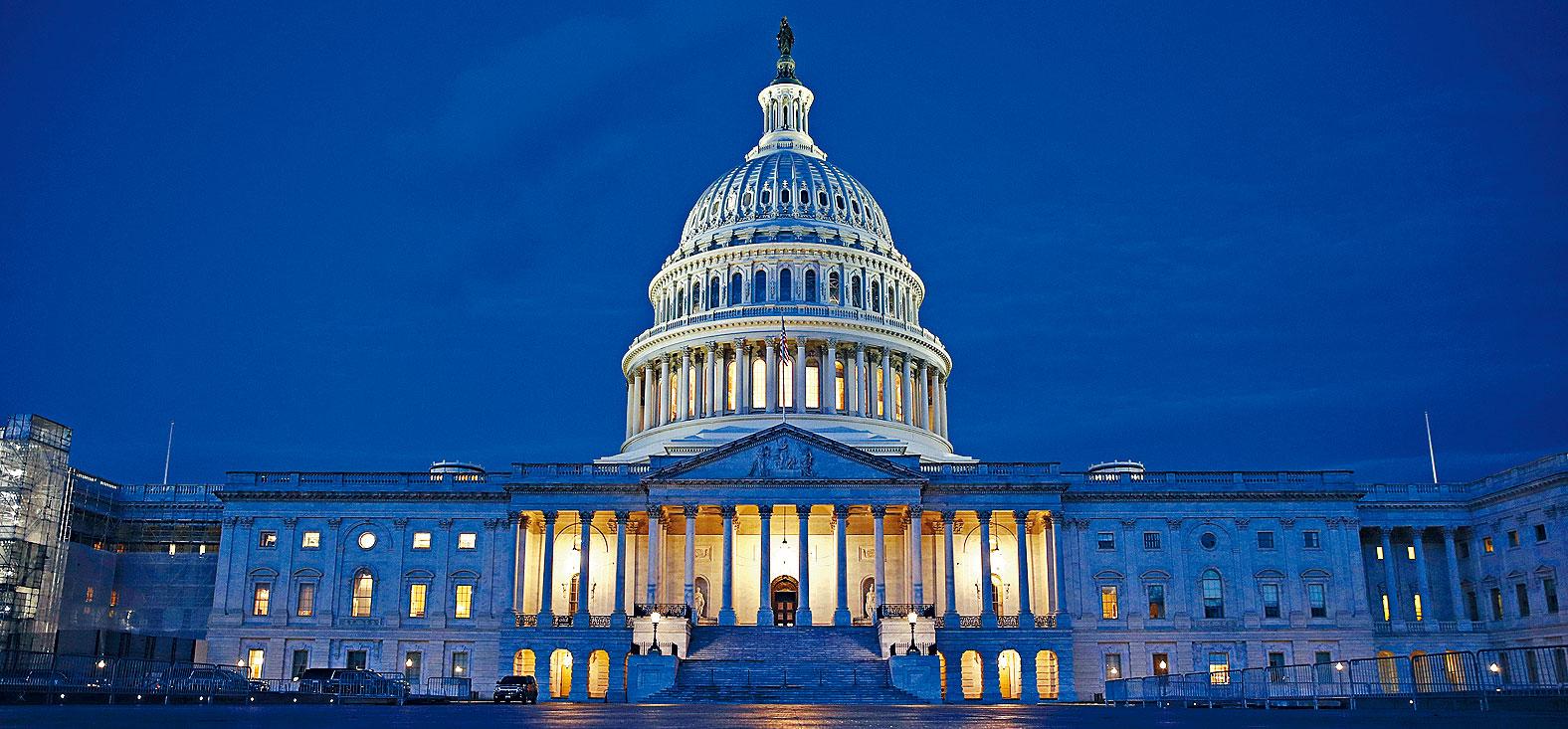 參議院預料最快下周二,就彈劾總統特朗普一案展開審訊。參院多數派領袖麥康諾表示,最快可在本周開始預備程序。    美聯社