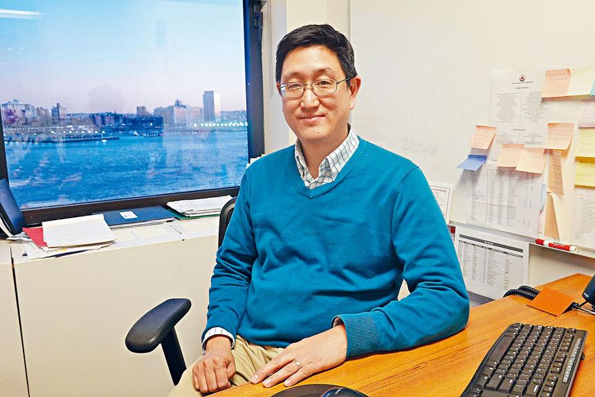 亞美聯盟政策政策和研究總監時浩煒(Howard Shih)指出,「衛星寶寶」在人口普查中被遺漏將對華裔及亞裔社區造成負面影響。