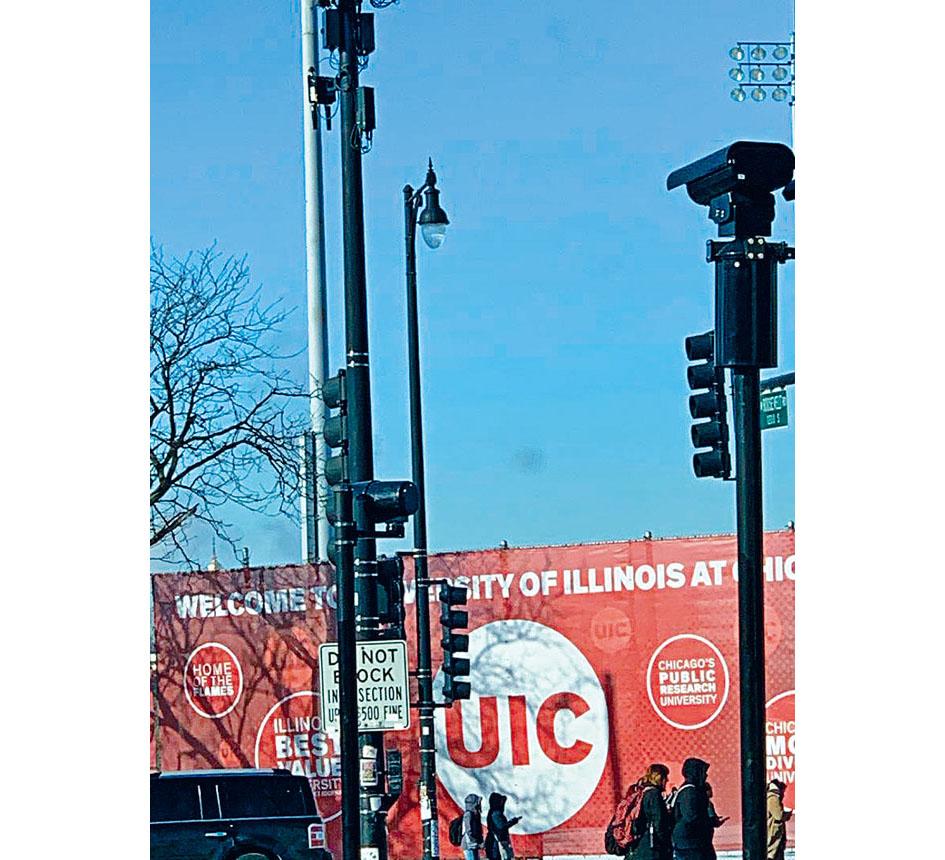 中國留學生眾多的伊大芝加哥校區(UIC)由於地點適中、靠近唐人街,因此也吸引不少華裔學生就讀。梁敏育攝