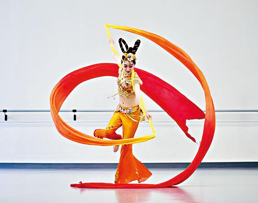 西亞舞蹈藝術團。