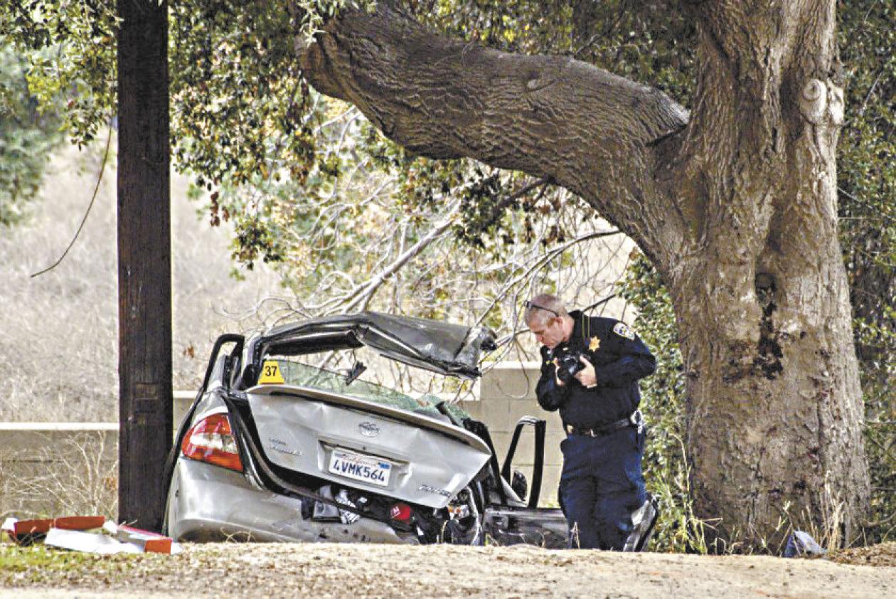 科羅納市特梅斯卡爾谷三死三傷致命車禍,疑因按電鈴惡作劇而起。美聯社