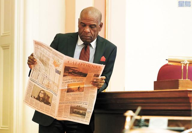 AB5法案引發爭議,傳媒界反對聲浪大。美聯社資料圖片