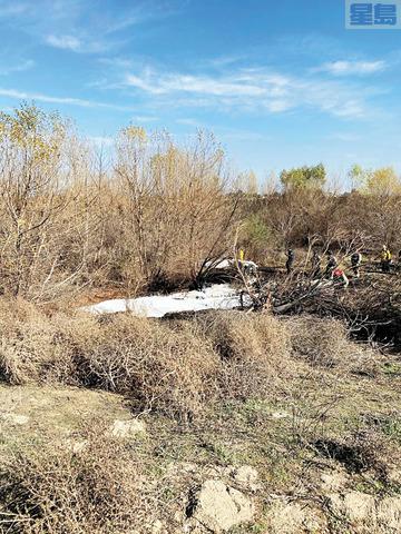 小型飛機科羅納市墜毀,機上4名人員全部罹難。科羅納市消防局推特圖
