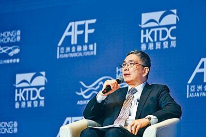 劉怡翔冀年內推行「ETF通」,指正與內地部門努力研究。