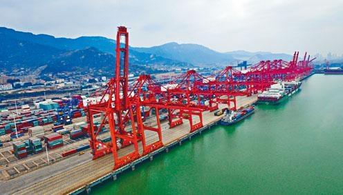 2019年中國貨物貿易進出口總值31.54萬億元人民幣,按年增長3.4%。