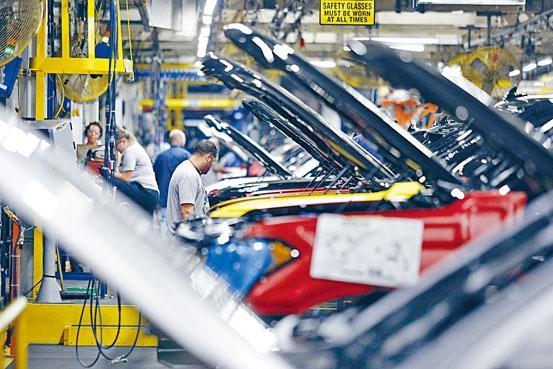 美國上月非農就業職位新增14.5萬個,較市場預測的16.4萬為低;薪金漲幅亦疲弱,平均每小時工資按年增2.9%。