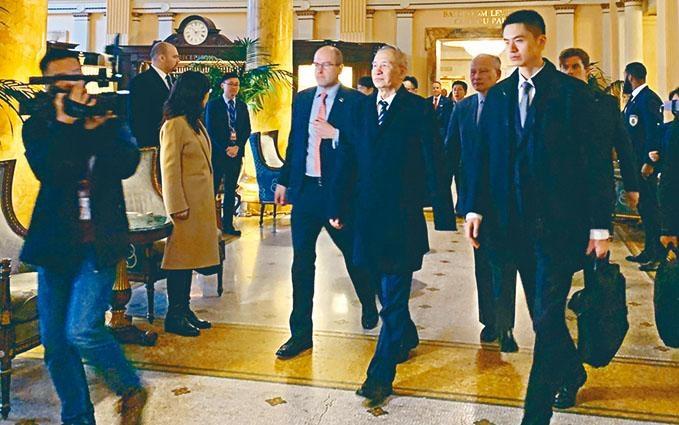 中國環球電視網拍攝到劉鶴抵達華盛頓,入住當地一家酒店。